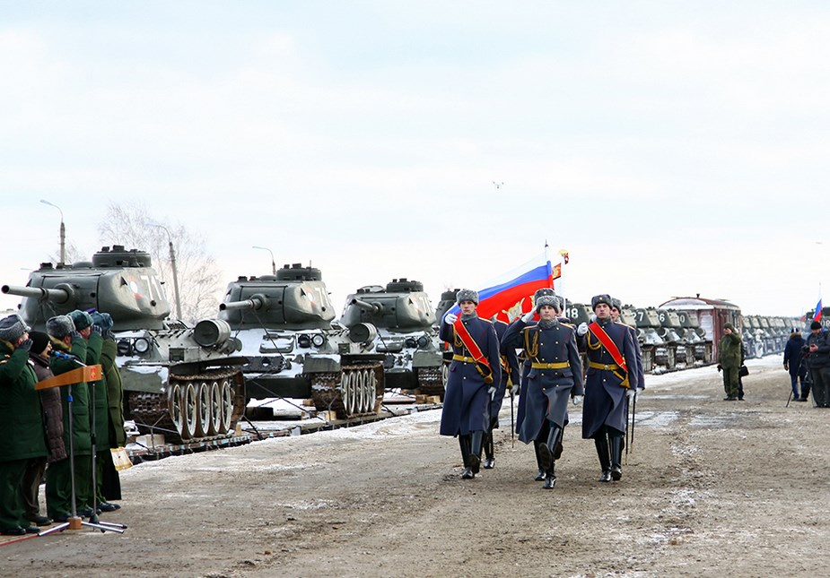 دبابة القتال الرئيسية T-34 مابين التاريخ والحاضر  Soviet12
