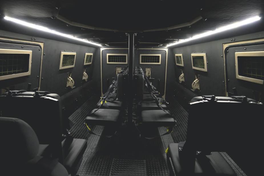 ناقلة الجند المدرعه  Titan-DS من الامارات Titan_11
