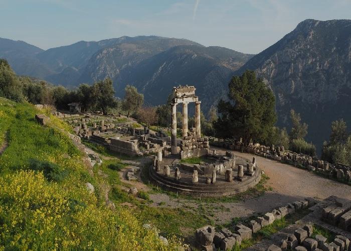 Athena Pronaia-templet, Grækenland Athena10