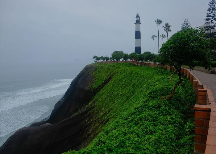 La Marina fyrtårn, Peru! La_mar10