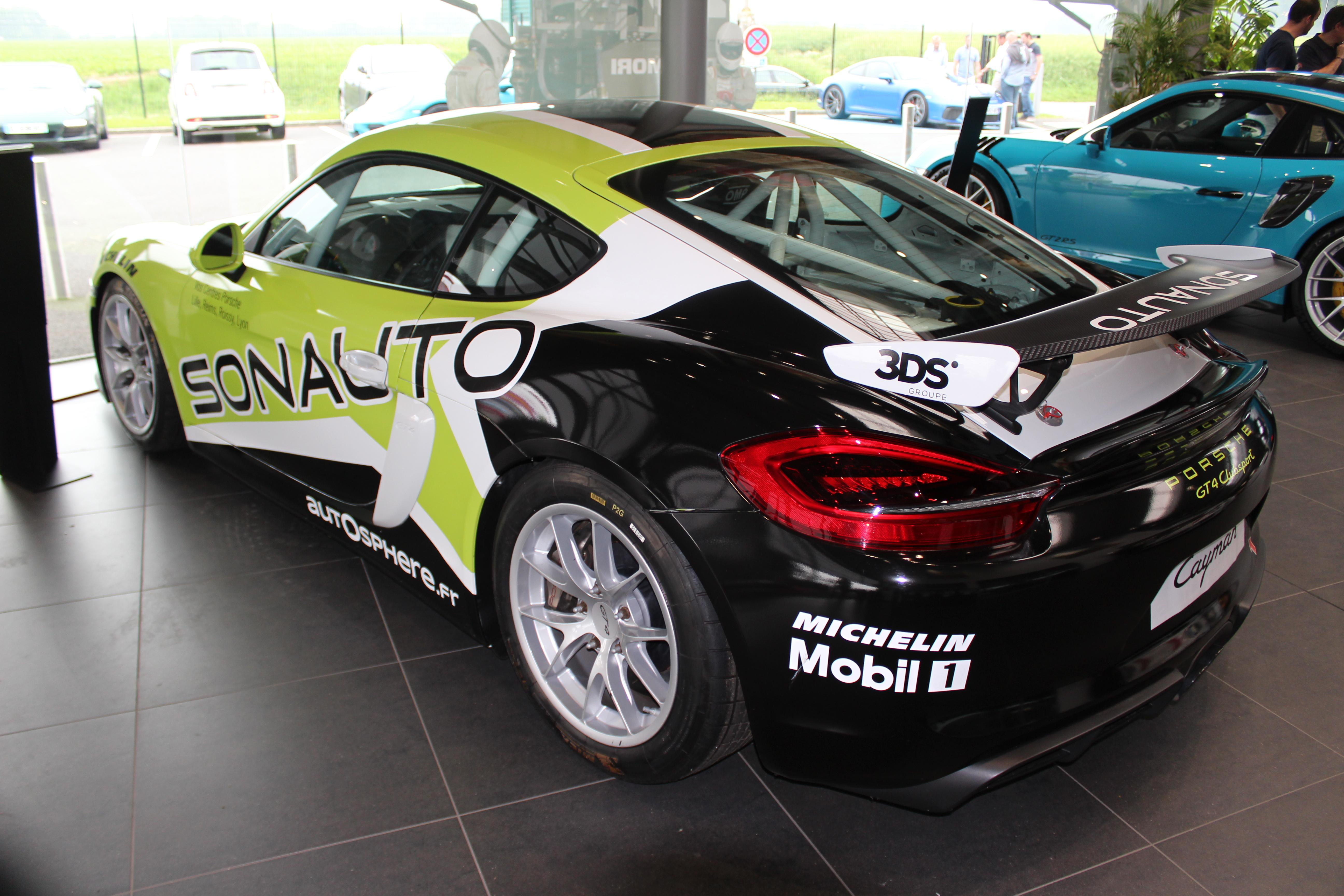 70 Ans Centre Porsche ROISSY Sonauto Img_6617