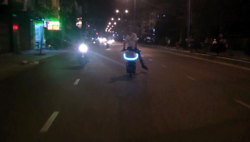 Vietnam, Cambodge en roller, VAE et side-car vélo. - Page 2 Bidule13