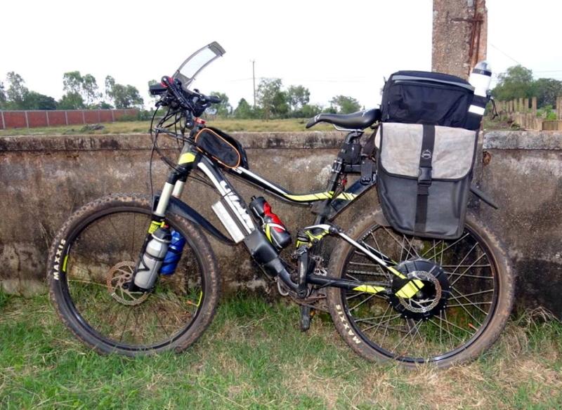 Vietnam, Cambodge en roller, VAE et side-car vélo. Giant_13