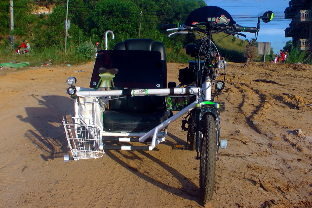 Vietnam, Cambodge en roller, VAE et side-car vélo. - Page 2 S1500012