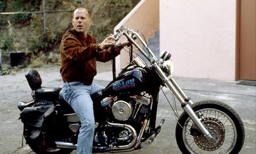 Ils ont posé avec une Harley, uniquement les People - Page 20 Bruce-10