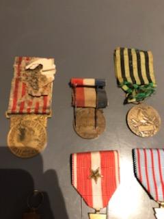 Estimation petit lot de médailles  Img_3013