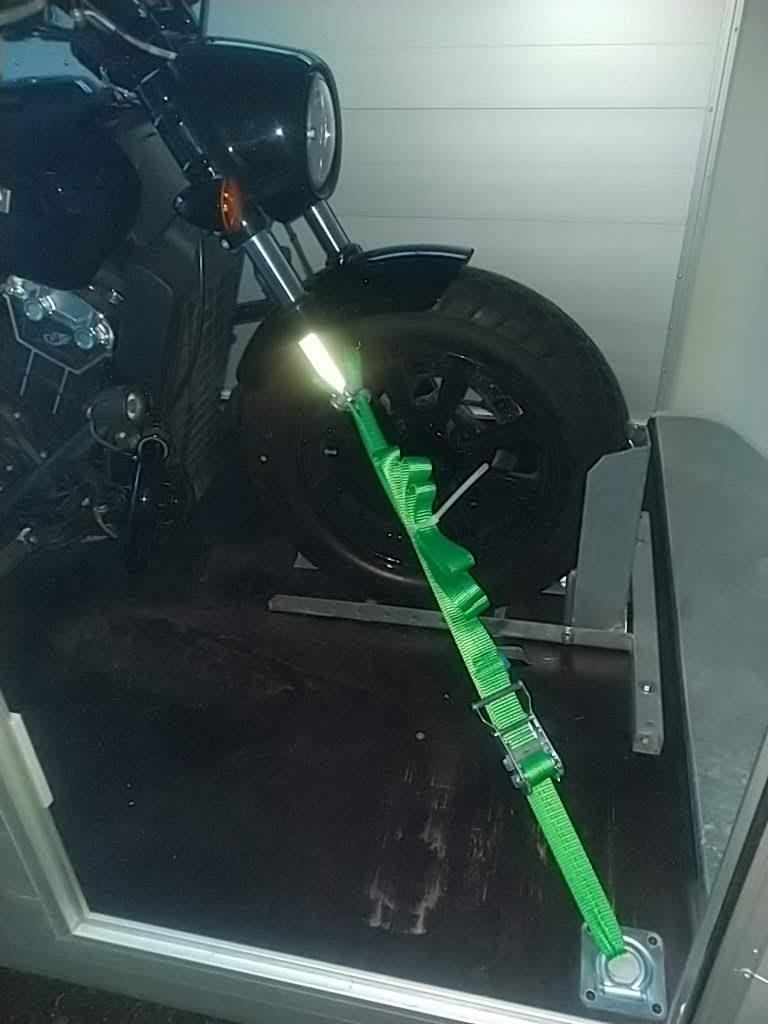 Comment transportez vous votre moto ? Img_2082