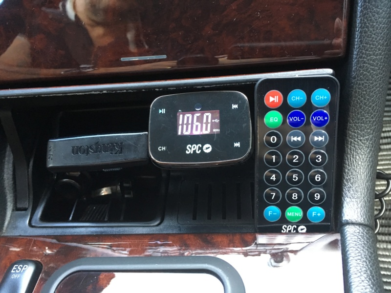 (SONORIZAÇÃO): Emulador de CD YATOUR® - USB e cartão SD - para rádio OEM W202/210/140 - alguém conhece? 4a11c210
