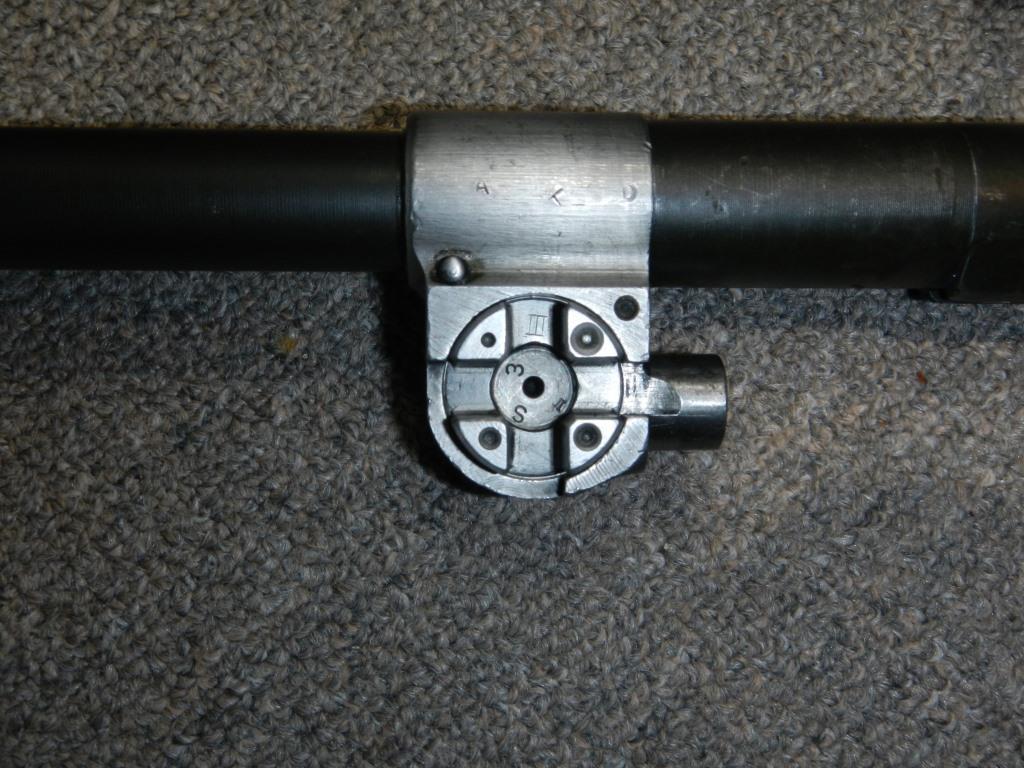Le fusil-mitrailleur BREN MK II fabriqué au Canada par la Compagnie John Inglis 1212