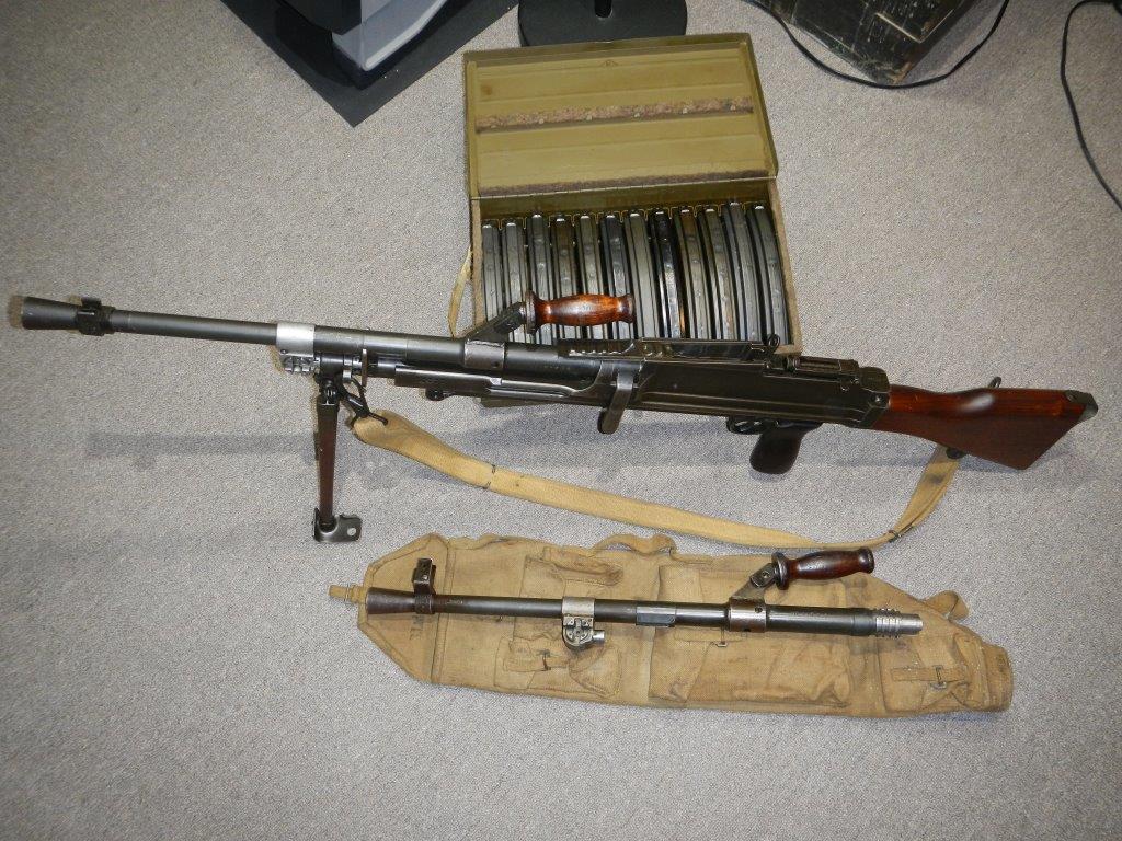 Le fusil-mitrailleur BREN MK II fabriqué au Canada par la Compagnie John Inglis 122