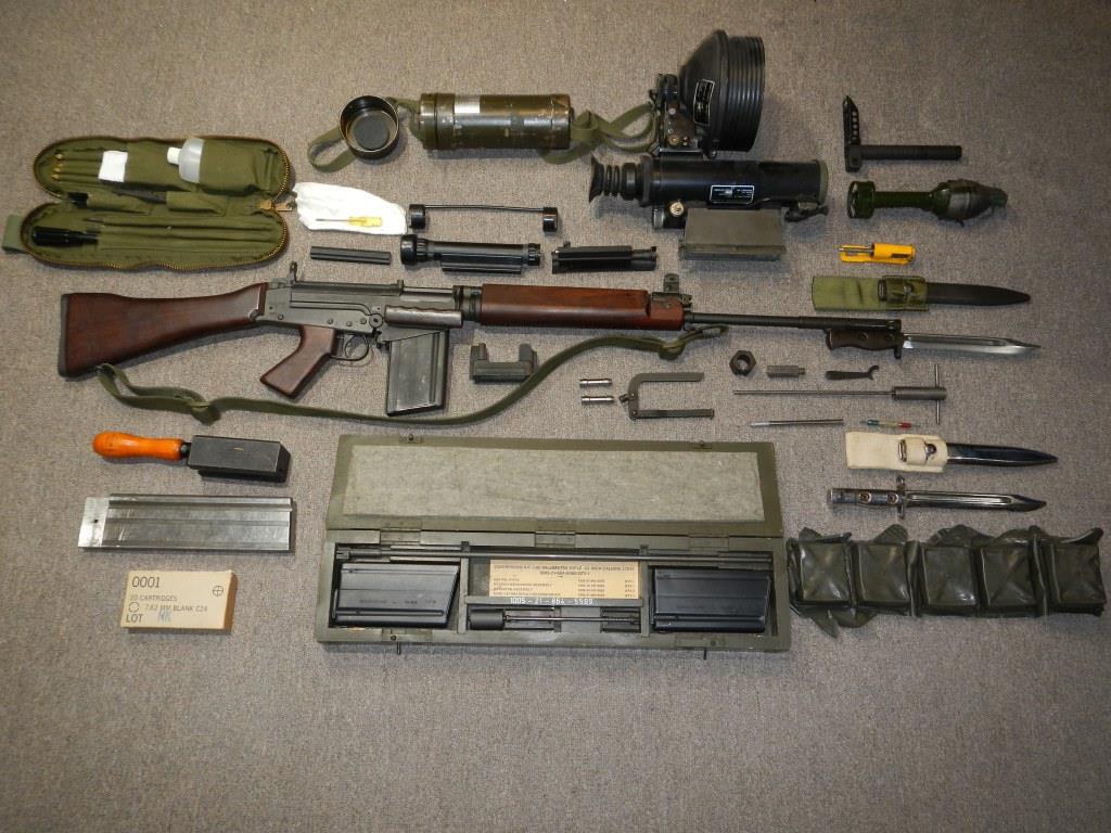 Fusil FN C1A1 et Fusil-mitrailleur FN C2A1 du Canada - Page 2 127
