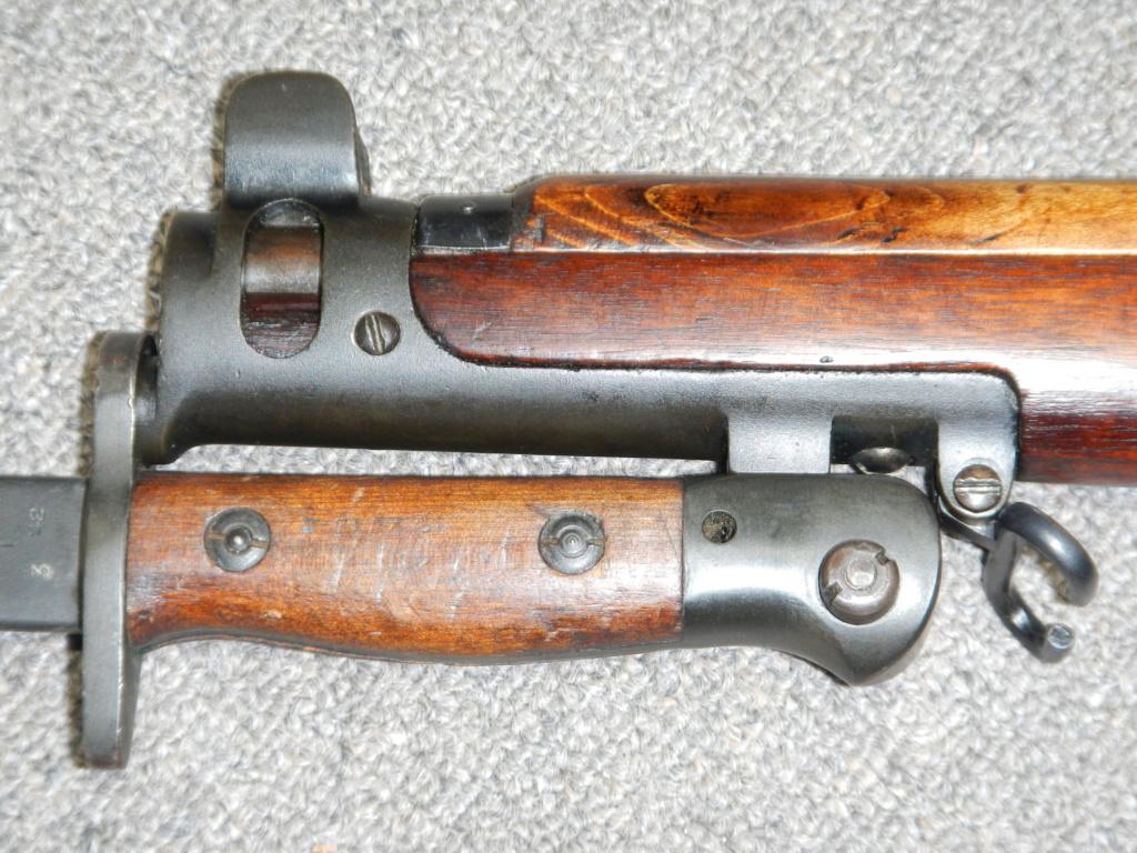 Lee Enfield No 1 MK III* avec poinçon canadien du «C/ \» 1310