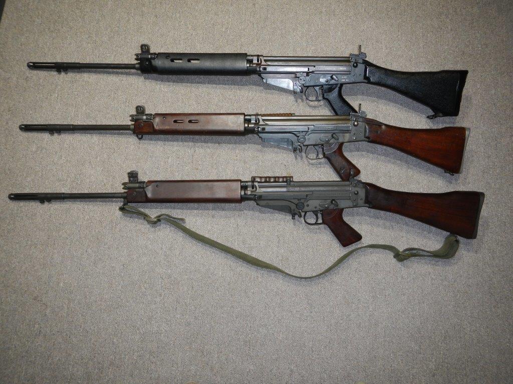 Les trois fusils FAL du Commonwealth réunis ensemble pour des photos 1_copy23