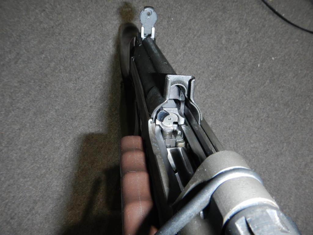 Fusil FN C1A1 et Fusil-mitrailleur FN C2A1 du Canada - Page 2 2012