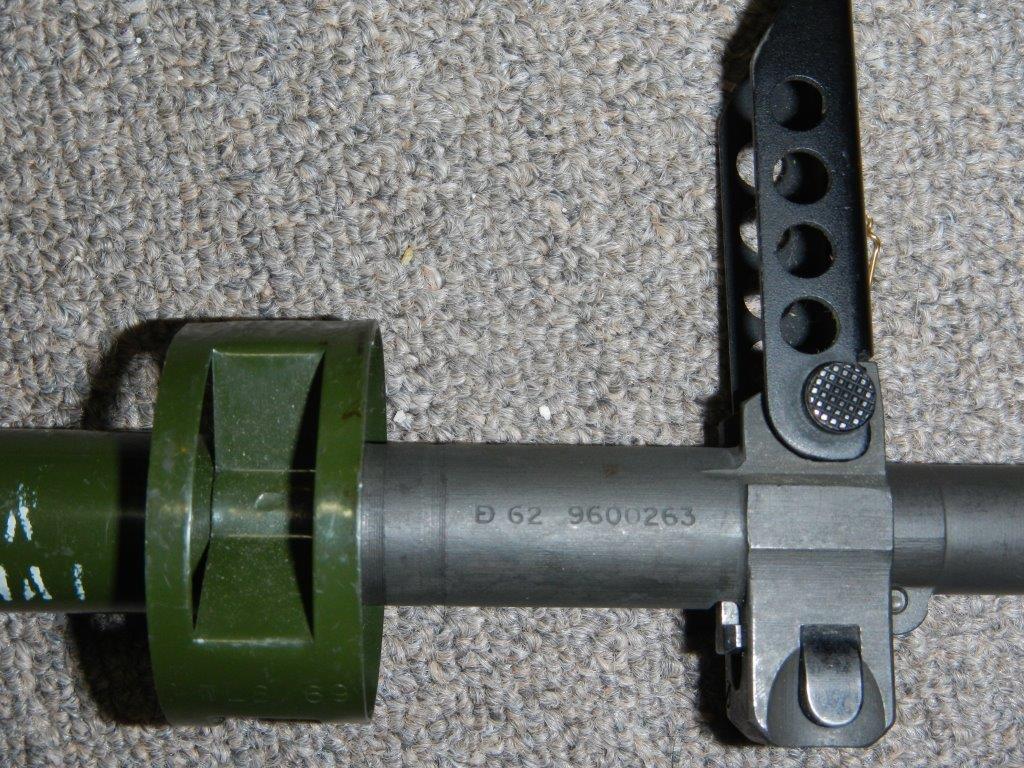 Fusil FN C1A1 et Fusil-mitrailleur FN C2A1 du Canada 221