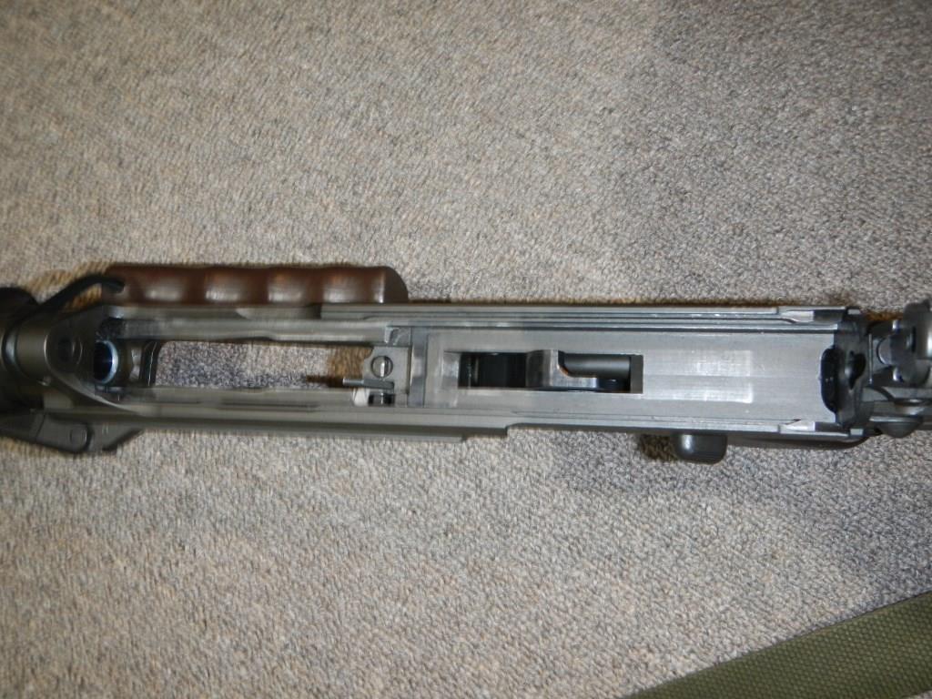 Fusil FN C1A1 et Fusil-mitrailleur FN C2A1 du Canada - Page 2 2211