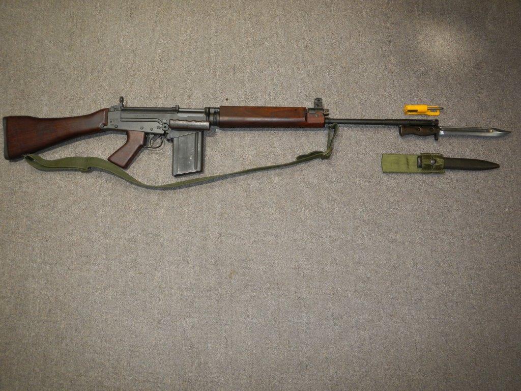 Fusil FN C1A1 et Fusil-mitrailleur FN C2A1 du Canada - Page 2 228