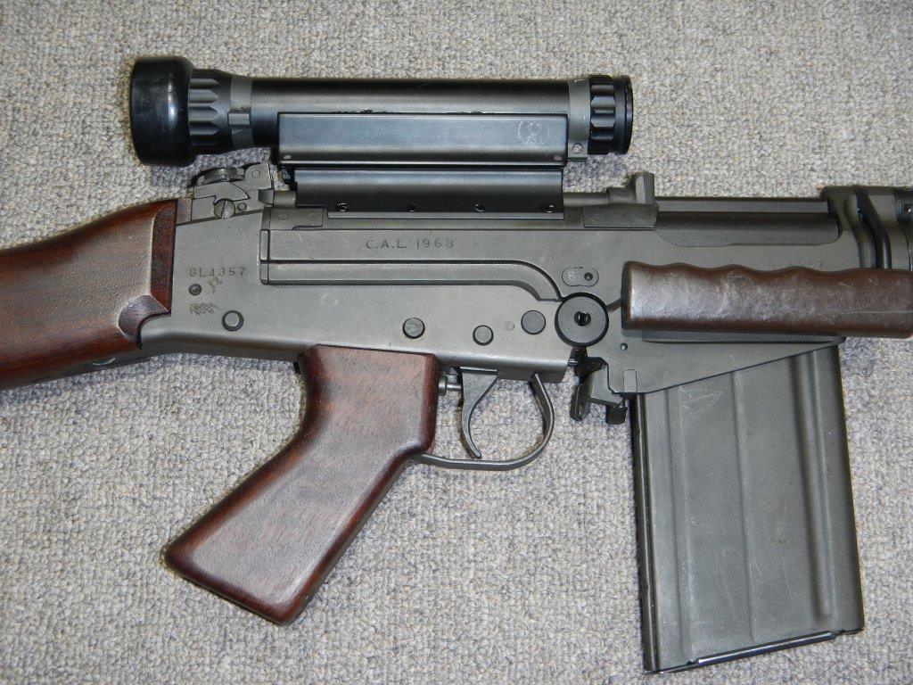 Fusil FN C1A1 et Fusil-mitrailleur FN C2A1 du Canada - Page 2 3111