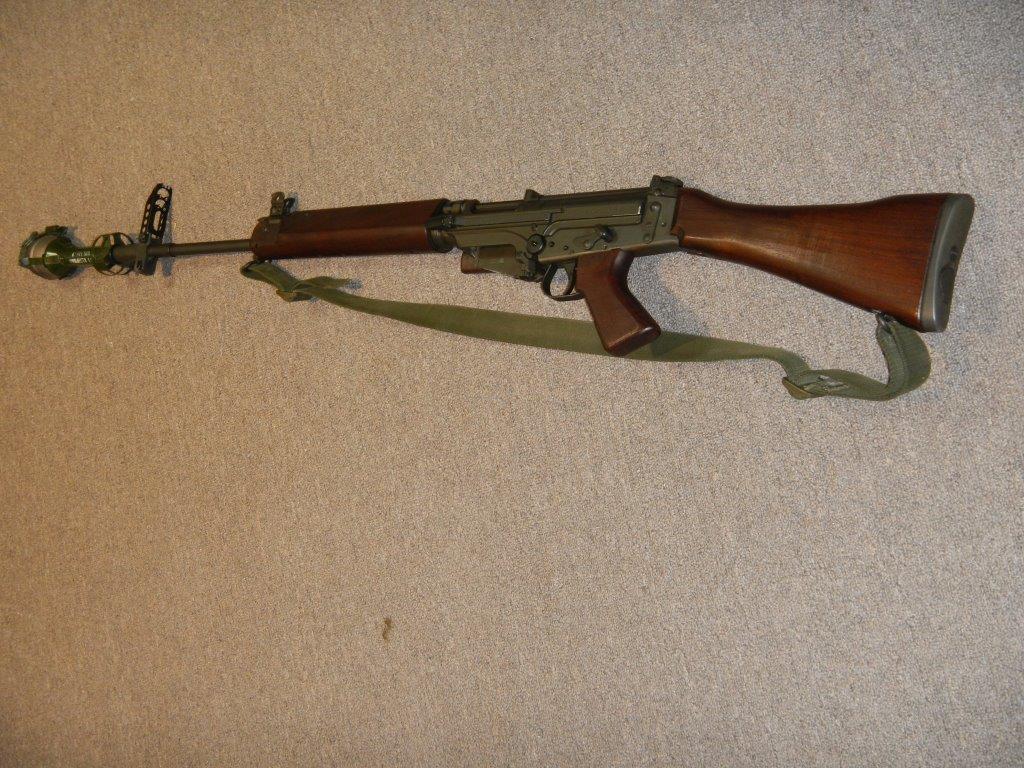 Fusil FN C1A1 et Fusil-mitrailleur FN C2A1 du Canada 417