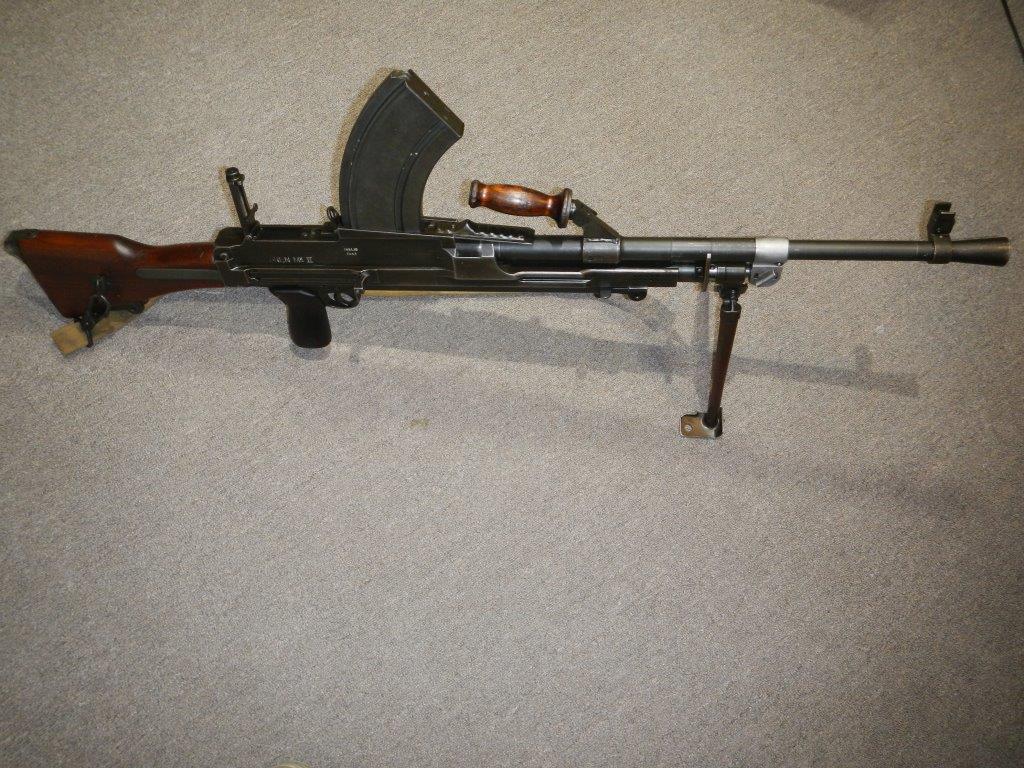 Le fusil-mitrailleur BREN MK II fabriqué au Canada par la Compagnie John Inglis 419