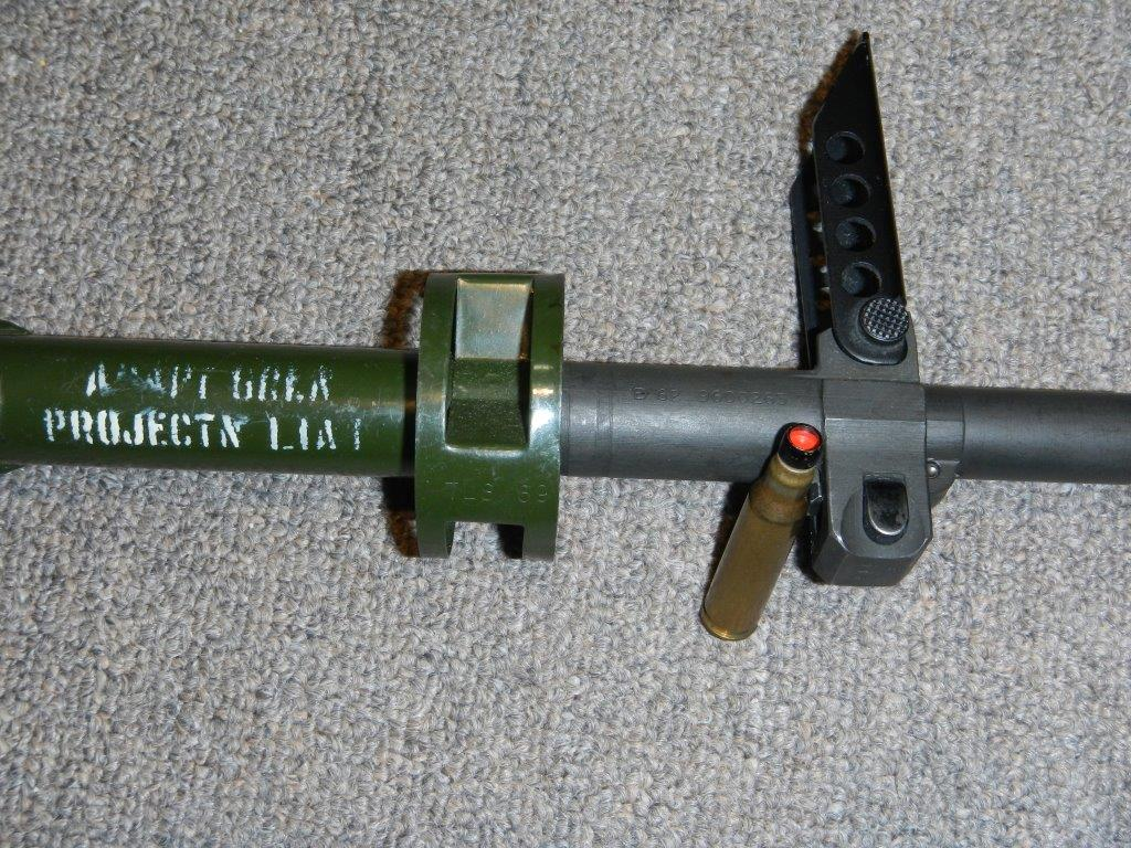 Fusil FN C1A1 et Fusil-mitrailleur FN C2A1 du Canada 516