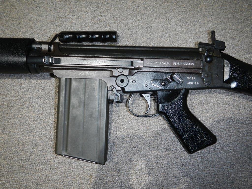 Les trois fusils FAL du Commonwealth réunis ensemble pour des photos 5_copy23
