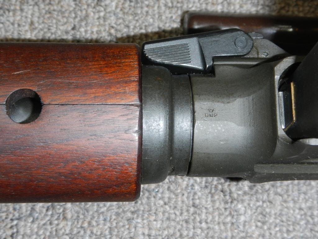 Fusil FN C1A1 et Fusil-mitrailleur FN C2A1 du Canada - Page 2 821