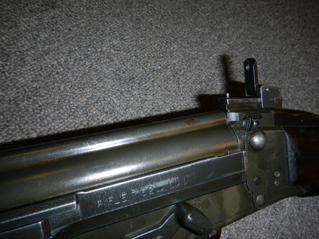 Les trois fusils FAL du Commonwealth réunis ensemble pour des photos Dscn3514