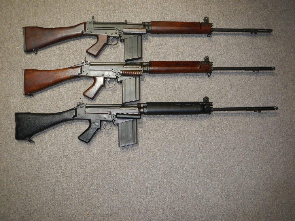 Les trois fusils FAL du Commonwealth réunis ensemble pour des photos Dscn4410