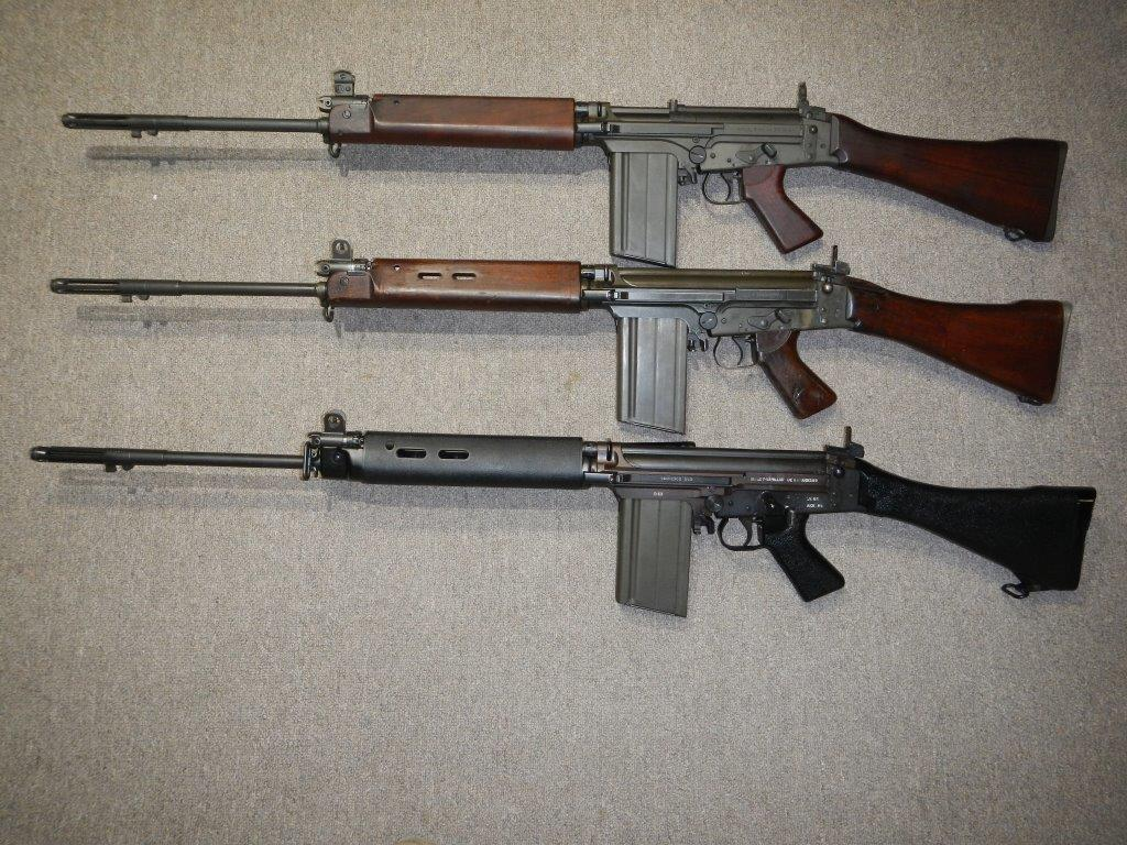 Les trois fusils FAL du Commonwealth réunis ensemble pour des photos Dscn4411