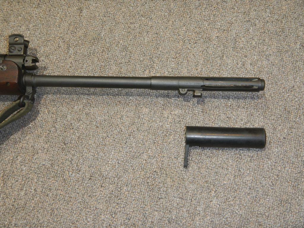 Fusil FN C1A1 et Fusil-mitrailleur FN C2A1 du Canada - Page 2 Dscn4915