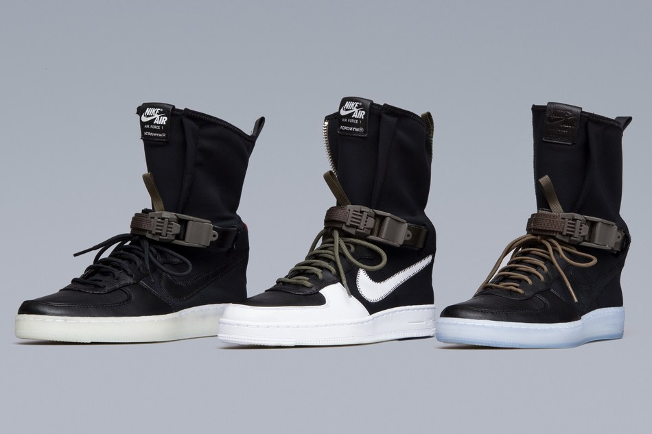 Sneakers aux pieds ? - Page 3 Acrony10