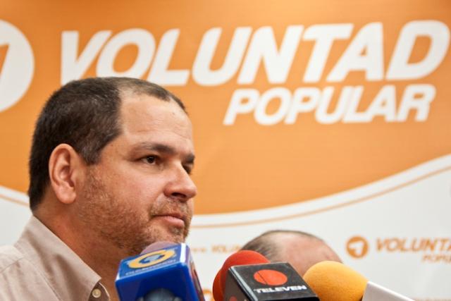 Destituyen a Luis Florido de la comisión de Política Exterior de la AN por robarse millones de dólares Luis-f11