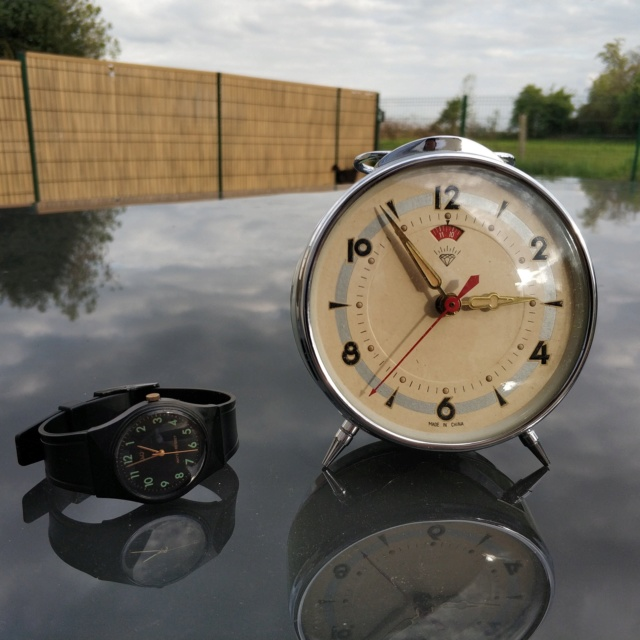 Un post qui référence les montres de brocante... tome IV - Page 33 Img_2034