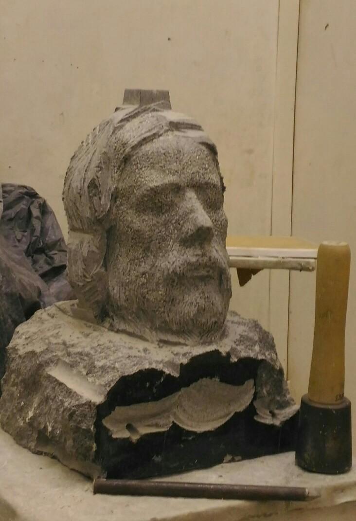 Sculptures faites pour l'hôtel en Sicile 4vlzv012