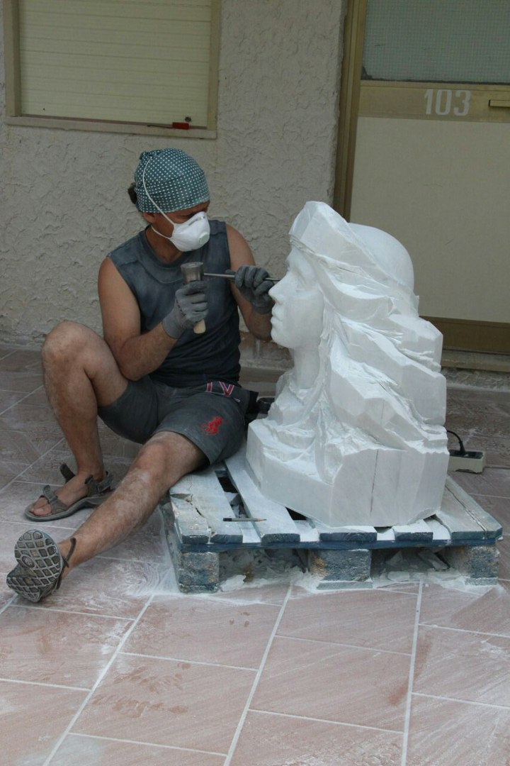 Sculptures faites pour l'hôtel en Sicile Ehbor510