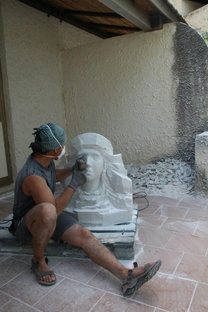 Sculptures faites pour l'hôtel en Sicile Le8of611