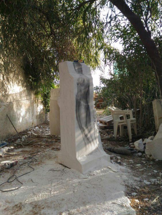 Sculptures faites pour l'hôtel en Sicile Npnqyy10