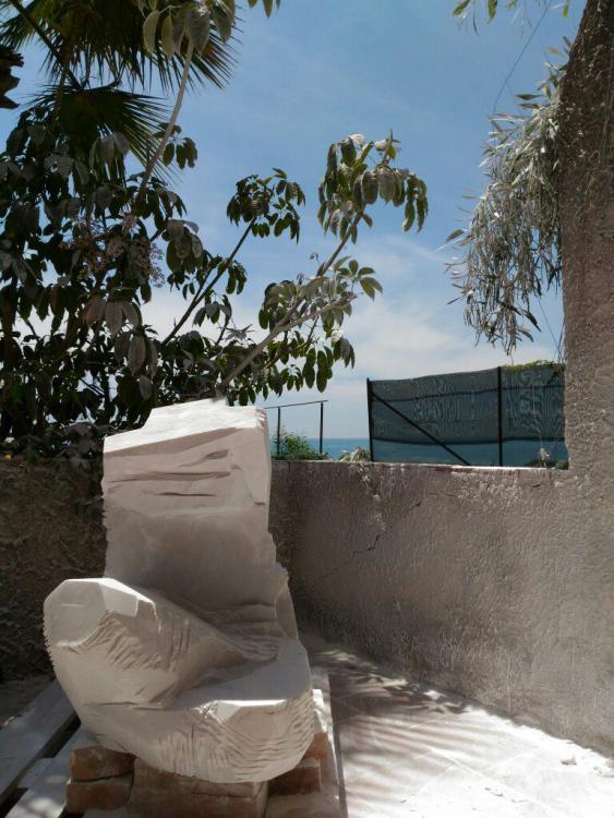 Sculptures faites pour l'hôtel en Sicile Omhb4h10