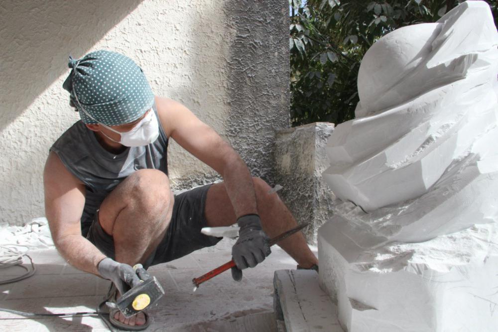 Sculptures faites pour l'hôtel en Sicile Wnkr7j10