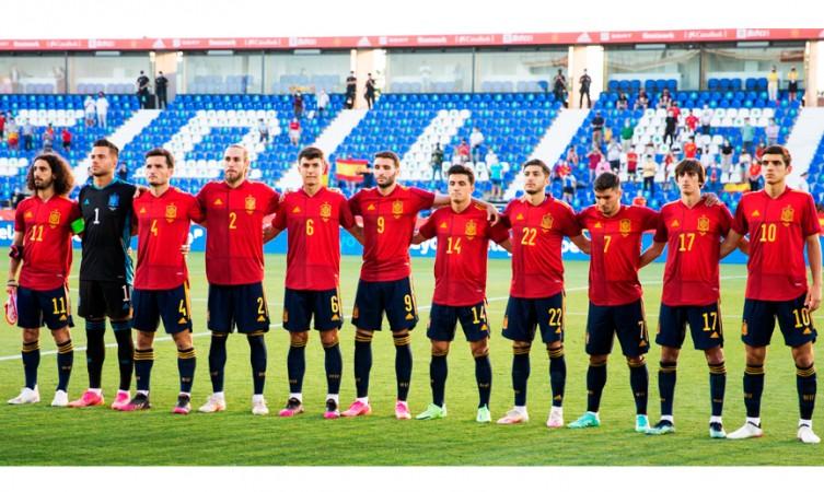 Hilo de la selección de España (selección española) - Página 2 Debuta10
