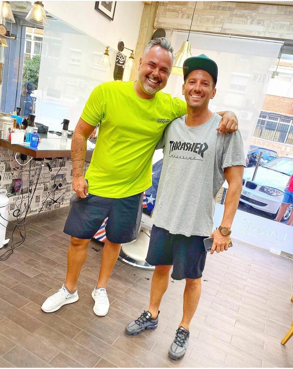 ¿Cuánto mide el peluquero José Peluka?  Img_2361