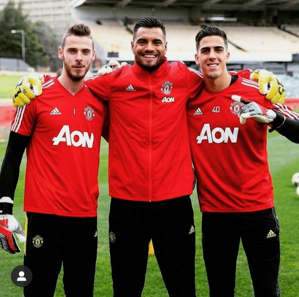 ¿Cuánto mide Sergio Romero? - Real height Img_2756
