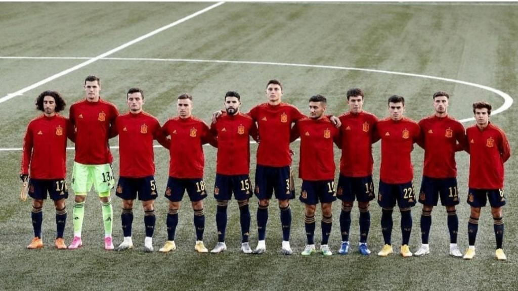 ¿Cuánto mide Hugo Guillamón? - Altura real: 1,77 - Real height Img_2771