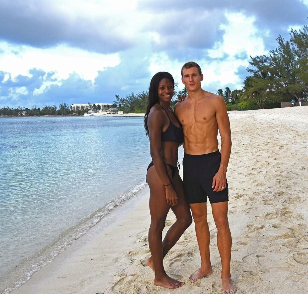 ¿Cuánto mide Shaunae Miller-Uibo? - Altura - Real height Img_3143