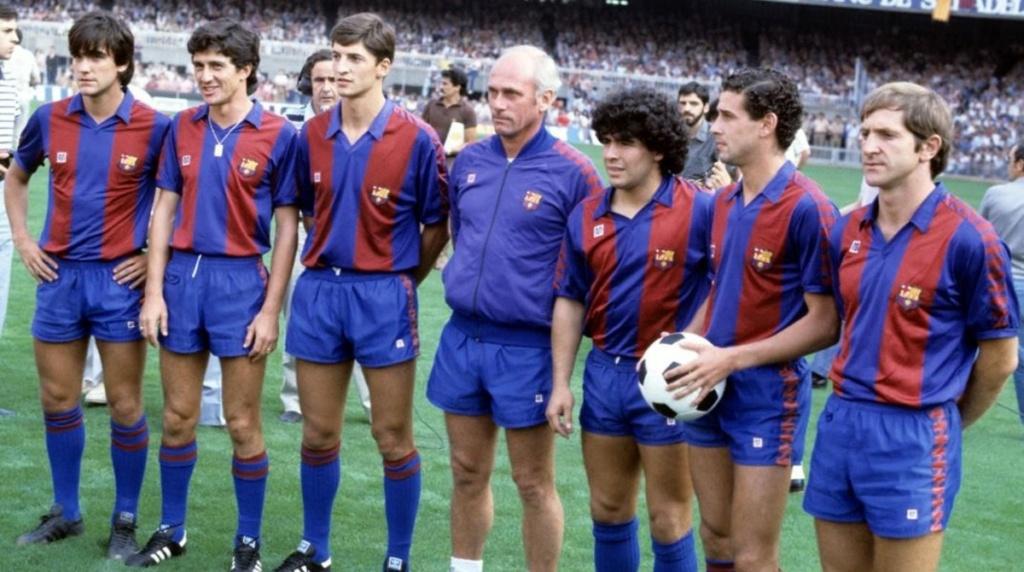¿Cuánto mide Diego Armando Maradona? - Altura - Real height - Página 2 Playgr10