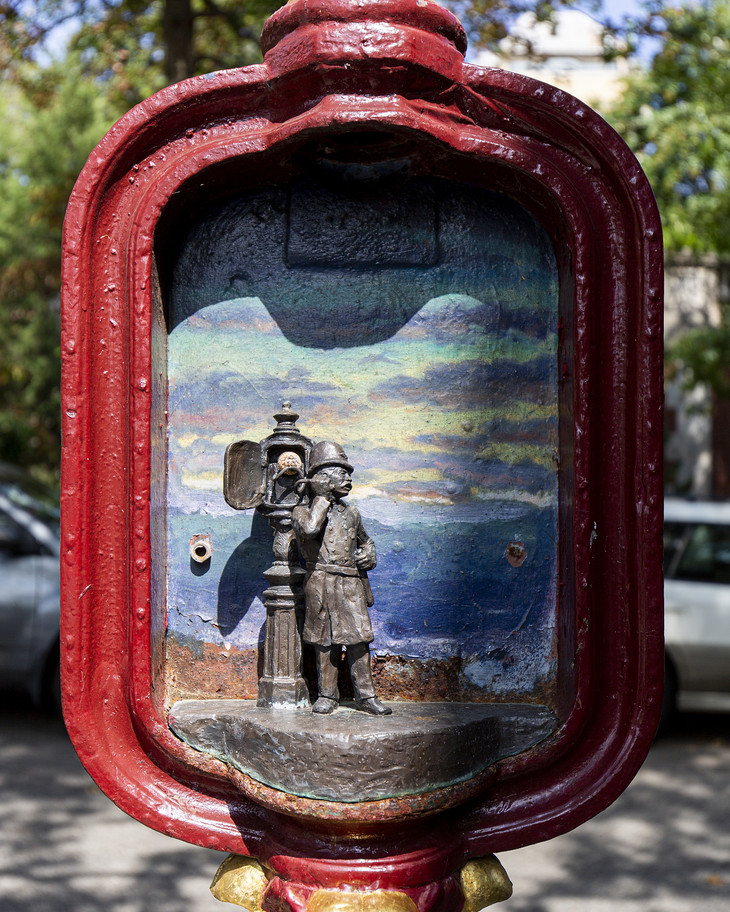 Dans les rues de Washington, d'anciens postes de téléphone d'urgence deviennent œuvres d'art Teleph11