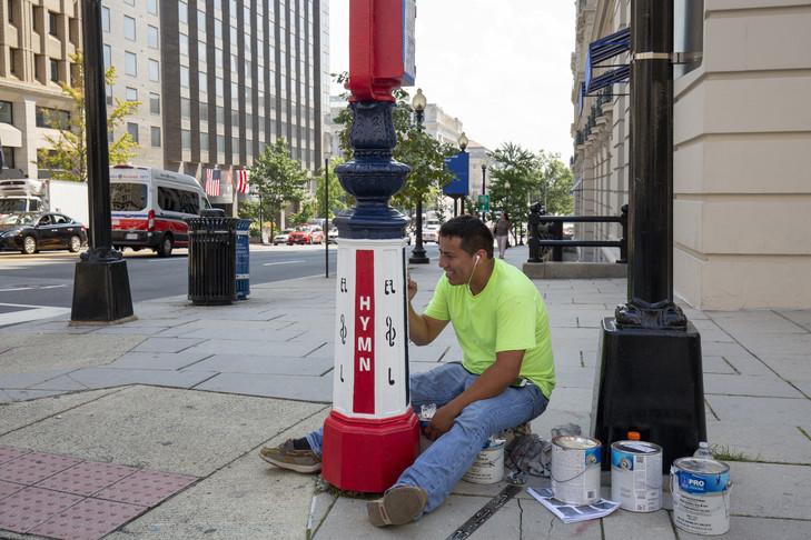Dans les rues de Washington, d'anciens postes de téléphone d'urgence deviennent œuvres d'art Teleph13