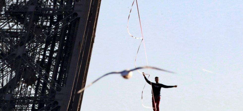 Téléthon: un funambule à 150 m au-dessus du vide à La Défense. Tzolzo17