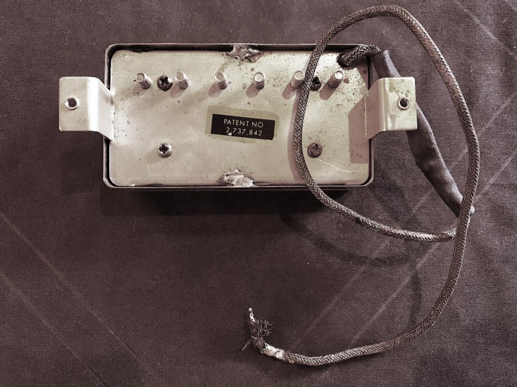 Ch un polyglotte parlant l'Epiphone sans accent Patent10